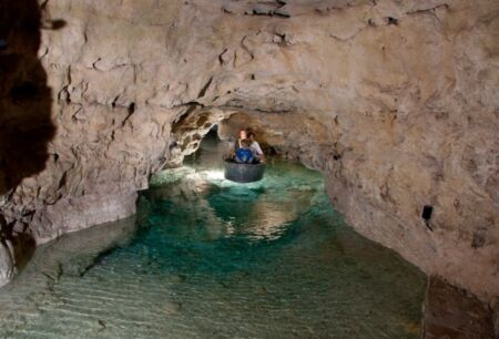 Tapolcai-tavasbarlang, Látogatóközpont