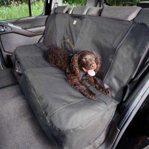 (M9919952) Takaró az autó hátsó ülésére, kutyák szállításához. Védi az ülést, nem csúszik, vízálló és folttaszító.