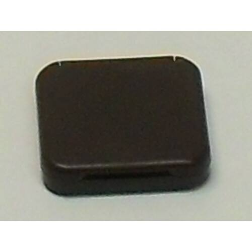 M9974450 Rugós zárófedél barna színben.